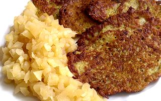 Kartoffelpuffer-apfelbrei